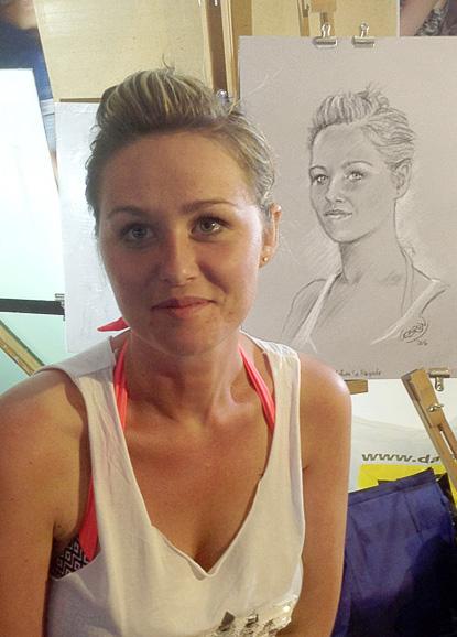 Jennifer - Portrait sur le vif au fusain