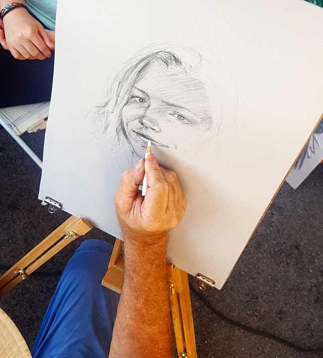 Paul Lebrun réalisant un portrait sur le vif